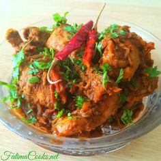 Bhuna Chicken Curry is an easy recipe that even beginners will be able to cook. You will love the spicy flavour from the traditional Indo-Pakistani spices! Punjabi Chicken Curry, Chicken Masala, Chettinad Chicken, Indian Food Recipes, Asian Recipes, Ethnic Recipes, Indian Chicken Dishes, Curry Dishes, Thing 1