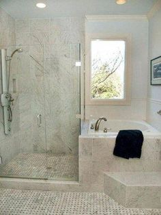 Classic Contemporary Bathroom #TinyBathroomBlack #Bathroomideas #Bathroomdecoration