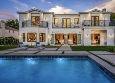 Exterior, Mansions, House Styles, Home Decor, Mansion Houses, Room Decor, Villas, Luxury Houses, Outdoors