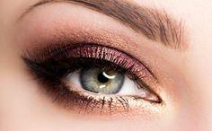 Makijaż: Bordowa Elegancja