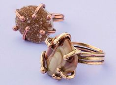 make these gemstone wire rings by Kate Richbourg  - from Make Wire-Wrapped Bezels for Stones: 6 Ways to Perk Up Your Wire Jewelry Making - Jewelry Making Daily