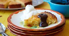 Den ser ikke ud af meget denne majskage, men skindet bedrager, for den smager intet mindre end fantastisk! Kagen minder lidt om en mazarinkage med god smag af lime.