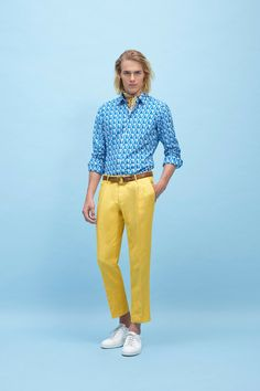 See all the Collection photos from Boglioli Spring/Summer 2015 Menswear now on British Vogue Mens Fashion 2018, Latest Mens Fashion, Fashion News, Fashion Show, Men's Fashion, High Fashion, Mens Yellow Pants, Preppy Style, Men's Style