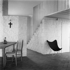 Somewhere I would like to live: House of the week Casa Ugalde / José Antonio Cordech. Mediterranean Architecture, Mediterranean Homes, Modern Architecture, Living Room Decor, Living Spaces, 70s Decor, Home Decor, Shopping In Barcelona, Curved Walls