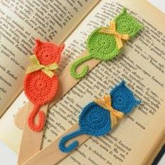 Trendy Ideas For Crochet Cat Toys Tutorial Marque-pages Au Crochet, Chat Crochet, Crochet Motifs, Crochet Amigurumi, Crochet Cross, Crochet Gifts, Crochet Bookmark Pattern, Crochet Bookmarks, Tutorial Crochet