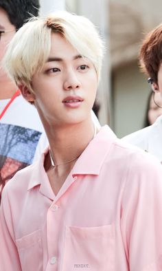 I've said it before and I'll say it again, blond Seokjin needs a comeback