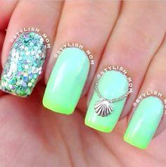 Beach nails!!!