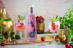 Mirari Pink Gin and Grapefruit Tonic. Fill a glass up to the top with ice cubes. Add 50ml Mirari Pink Gin. Top with a premium grapefruit tonic water. Garnish with strawberries, black pepper and mint. Enjoy!