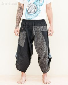 These pants are unique looking and highly practical. The signature pull-up leg creates a cool samurai-like look that is airy, flexible, and easy to move around. Tribal Pants, Hippie Pants, Black Harem Pants, Harem Trousers, Ethnic Outfits, Stylish Outfits, Japanese Pants, Burning Man Outfits, Black Dots