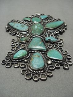 ONE-OF-THE-LARGEST-EVER-VINTAGE-NAVAJO-GREEN-TURQUOISE-SILVER-PENDANT