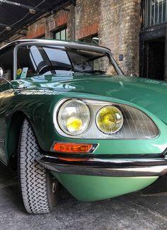 Citroen Ds, Mécanicien Automobile, Best Luxury Cars, Car Car, Old Cars, Vintage Cars, Classic Cars, Planes, Metallic