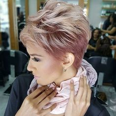 """2,013 mentions J'aime, 14 commentaires - Pixies are DOPE AF (@pixiepalooza) sur Instagram : """"Oh wow. I'm liking this cut and color A LOT! How bout you? It's from @rominadpd -…"""""""