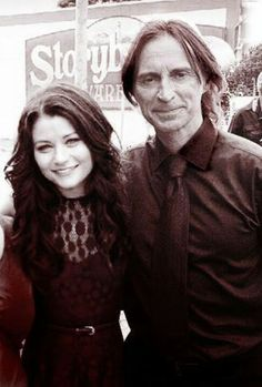 OUAT. Emilie De Ravin and Robert Carlyle, AKA Belle and Mr Gold/Rumplestiltskin from Once Upon A Time. Rumbelle!