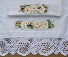 Barrado de crochet e pintura em tecido