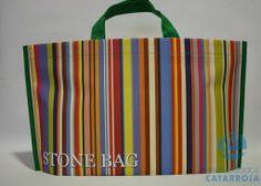 Stonebag, es el modelo más resistente. Bolsas amplias y robustas, diseñadas en función de los gustos o necesidades del cliente, con un detallado excepcional y un acabado perfecto. Para más información visita http://www.bolsapubli.com/stonebags/ .