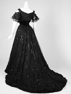 Atomic Alex — vintagegal:   House of Worth Evening dress c. 1906...