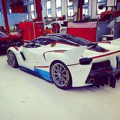 The first #LaFerrari #FxxK ive seen in anything but Red. Looks amazing in white. #supercar #supercars #dreamcar #Ferrari