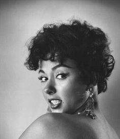 Rita Moreno West Side story  <3