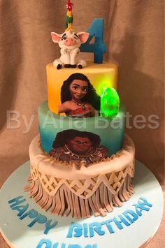 Moana themed cake by Ana Bates Cakes (AB Cakes & Cupcakes)