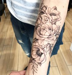 What kind of flower is this gardening garden DIY Forearm Flower Tattoo, Forearm Tattoos, Body Art Tattoos, Small Tattoos, Sleeve Tattoos, Cool Tattoos, Peony Flower Tattoos, Tatoos, Floral Tattoos