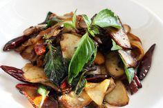 Stir-Fried Abalone Mushrooms with Basil