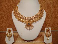 Uncut Diamond Necklace latest jewelry designs - Page 4 of 113 - Indian Jewellery Designs Jewelry Design Earrings, Gold Earrings Designs, Gold Jewellery Design, Necklace Designs, Gold Designs, Bridal Jewellery, Gold Haram Designs, Indian Bridal Jewelry Sets, Geek Jewelry