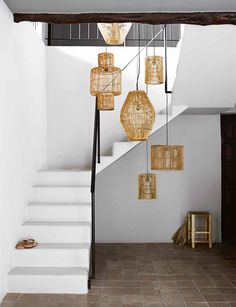 24 Super Ideas home inspiration decoration lamp shades Rattan Lampe, Stairway Lighting, Interior And Exterior, Interior Design, Interior Modern, Wicker Shelf, Wicker Planter, Interior Minimalista, Deco Originale