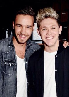 Niall and Liam tonight in London !! They are soo adorable !! I love this pic