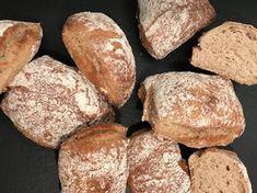Backen mit Christina … | Roggen-Honigweckerl Food Porn, Snacks, Food And Drink, Baking, Baguette, Austria, Breads, Bread Baking, Kochen