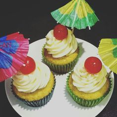 White Chocolate Buttercream Cupcakes 🍒❤😏