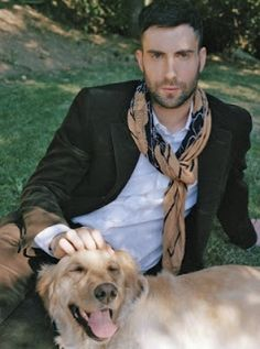 Adam Levine and his Golden Frank!  I didn't think I could like him any more. WRONG!