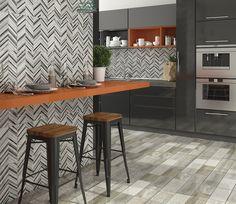 Linda essa inspiração de cozinha, né? Se não gostou de algum piso cerâmico, temos várias opções para se inspirar, confira nosso site! #Incefra #pisoceramico #cozinha #kitchen #decor #piso #decoracao