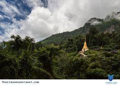 Khoảng trên90% dân Thái theo đạo Phật. Đâu đâu trên đất Thái cũng có những công trình mang phong cách kiến trúc Phật giáo. chính vì vậy không quá ngạc nhiên khi Thái Lan có số lượng đền chùa khủng lồ. Sau đây là 1 số đền chua nổi... Xem thêm: http://thailansensetravel.com/tong-hop-cac-ngoi-den-o-thai-lan-n.html