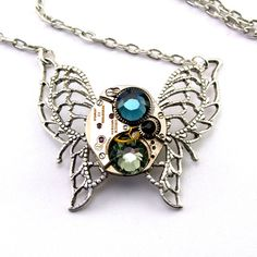 A lovely necklace for those into steampunk.