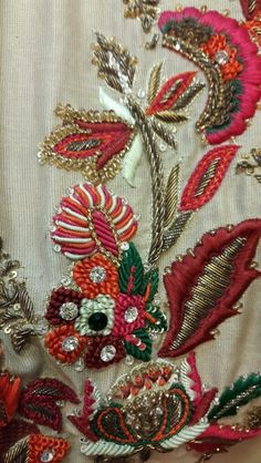 Resham work Zardozi Embroidery, Bead Embroidery Patterns, Hand Work Embroidery, Hand Embroidery Designs, Beaded Embroidery, Boarder Designs, Lesage, Embroidery Fashion, Cutwork