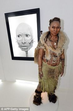 A forensic reconstruction of a woman who lived 47.000 to 17.000 years ago at Abri-Pataud, France.