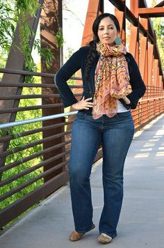Plus size fashion : girl with curves
