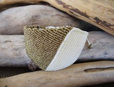 White and gold geometric macrame braceletAdjustableLuxurious
