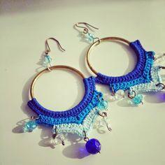 Crochet Jewelry Patterns, Crochet Earrings Pattern, Crochet Accessories, Crochet Designs, Crochet Flats, Crochet Art, Crochet Motif, Diy Crafts Jewelry, Crochet Instructions