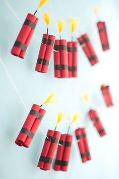 4th of July Dynamite Garland DIY - Oh Happy Day!