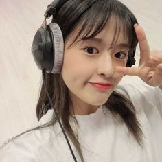 Kpop Girl Groups, Kpop Girls, Yu Jin, Over Ear Headphones, Headset, Babies, Angel, Sweet, Photography