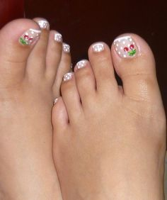 Flower Pedicure, Pedicure Nail Art, Flower Nails, Nail Manicure, Pedicure Designs, Toe Nail Designs, Nail Polish Designs, French Pedicure, French Tip Nails