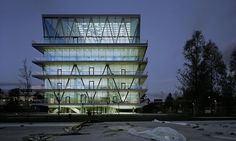 Leutschenbach School Building byChristian Kerez. Read more.  #architecture #design #modern Pinned by www.modlar.com