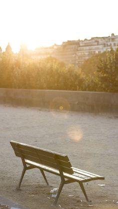 Pariisi Helsinki, Outdoor Furniture, Outdoor Decor, Sun Lounger, Home Decor, Garden Furniture Outlet, Chaise Longue, Decoration Home, Interior Design