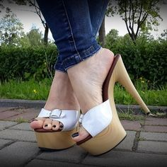 Image may contain: one or more people, shoes and outdoor Mules Shoes, Heeled Mules, Gorgeous Feet, Female Feet, Sexy High Heels, Sexy Feet, Strappy Sandals, Platform Shoes, Peep Toe