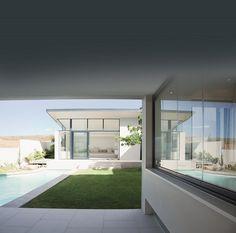 Isolatie op z'n groenst met de kracht van hennep, Caparol, Caparol introduceerde… Decor, Outdoor Decor, Grand Designs, House, Home, Windows, Bedroom Decor