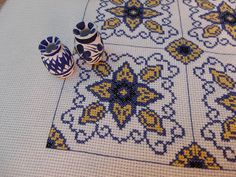 Cross Stitch Borders, Cross Stitch Patterns, Cross Stitch Embroidery, Embroidery Patterns, Blackwork, Needlepoint, Decorative Pillows, Needlework, Diy And Crafts