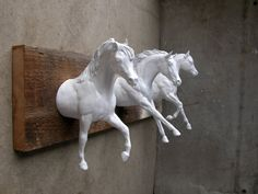 EQUINE COLLECTION three galloping horses clothing / bridle rack in white