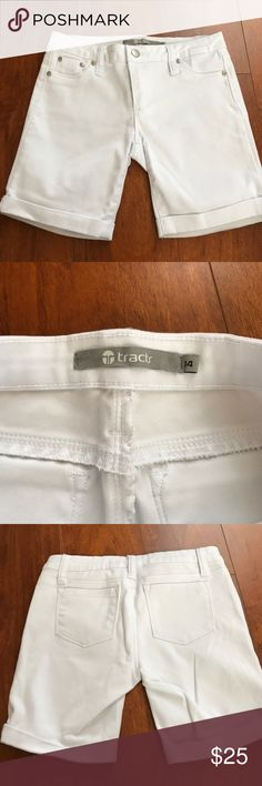 White Tractr Shorts White Tractr Shorts; perfect for school or any other occasion; excellent condition; accepting reasonable offers Tractr Bottoms Shorts