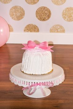 XO Kerry | Pink and Gold Cake Smash/First Birthday Photo SessionXO Kerry